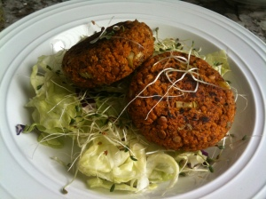 Lentil veggie burgers :)