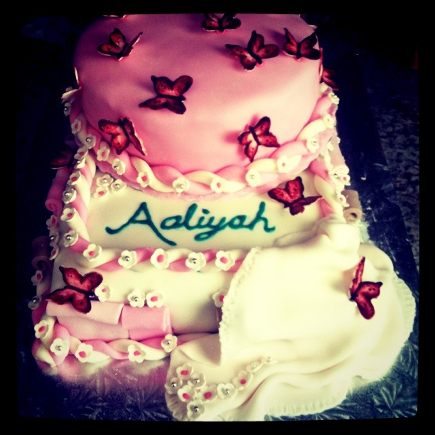 Birthday Cake Images With Name Nikki : House Cake Project   Butterfly Birthday Cake for Aaliyah s ...
